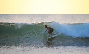 Surfer in Costa Rica Wandbild